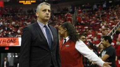 Pierwszy trener urodzony poza USA zwolniony z NBA.
