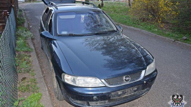 Nastolatkowie ukradli samochód, bo chcieli jechać do koleżanki