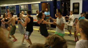 Tańce na peronie