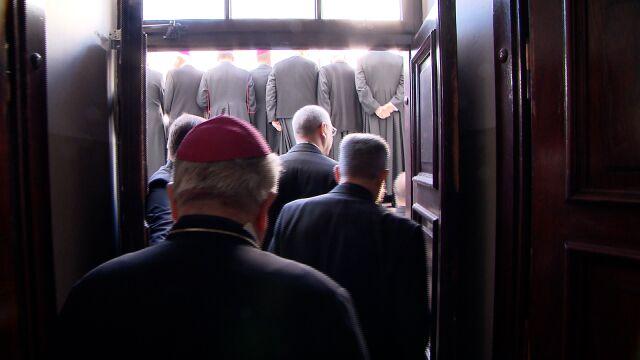 Ofiary księży pedofilów chcą  państwowej komisji. Politycy mówią