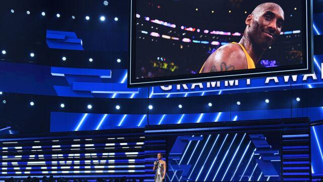 """Wzruszające chwile podczas ceremonii Grammy. """"Kobe, kochamy Cię. Straciliśmy bohatera"""""""