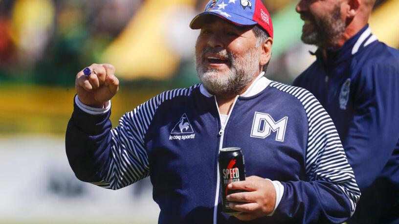 """Maradona odszedł, ale już wrócił na ławkę trenerską. """"Diego nas połączył"""""""