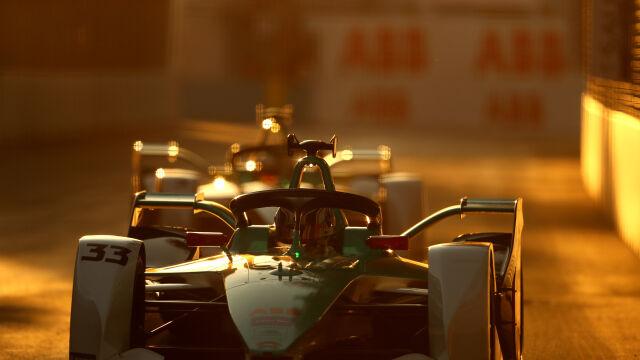 Rusza nowy sezon Formuły E. Na starcie znani kierowcy