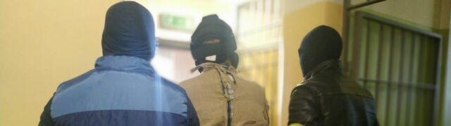 Były student aresztowany za stalking. Jego matka również z zarzutami