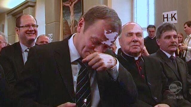 Donald Tusk i Jarosław Kaczyński - amatorzy tabaki