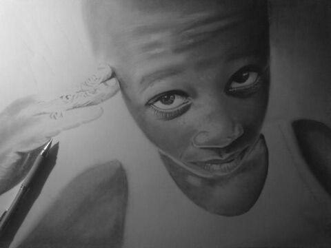 Mariusz od lat rysuje portrety i martwą naturę