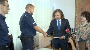 Uratował topiące się dzieci. Prezydent Sopotu podziękował policjantowi za postawę