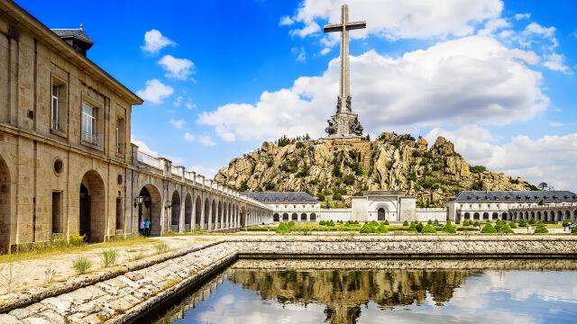 Rozstrzelani przez frankistów leżeli we wspólnym mauzoleum z Franco