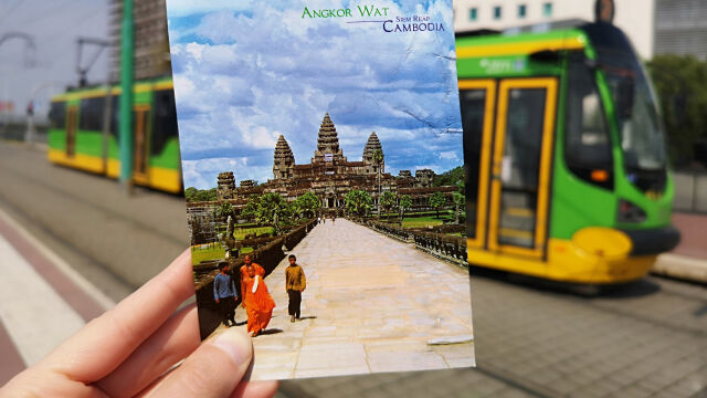 Postcards found on the street, the recipient came after 14 years