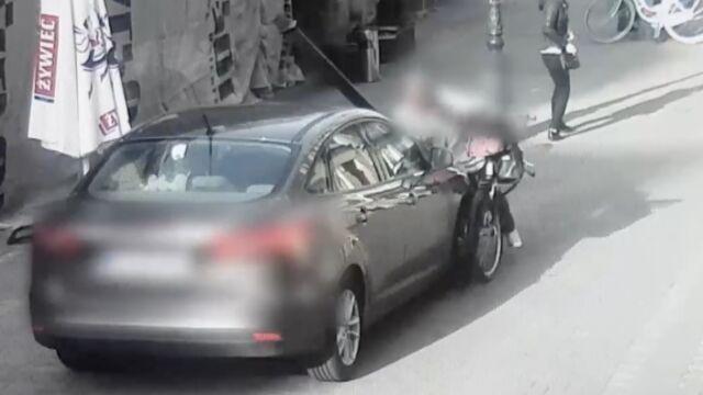 Samochód bez kierowcy wjechał w rowerzystkę