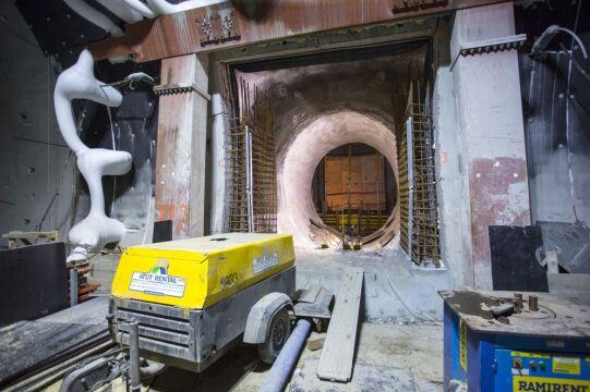 Problemy z mrożeniem gruntu opóźniły budowę tunelu pod Martwą Wisłą