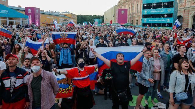 """Polscy kibice mogą czuć się bezpieczniej w Petersburgu. """"100 tysięcy dodatkowych maseczek"""""""