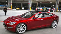 Tesla Model S Indoors