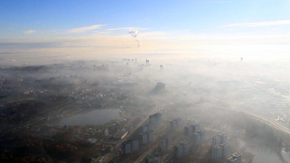 Palimy byle czym i oddychamy byle jakim powietrzem. Panorama polskiego smogu