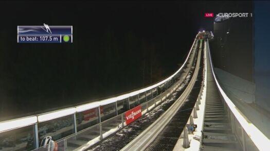 Skok Piotra Żyły z 2. serii konkursu drużynowego w Klingenthal