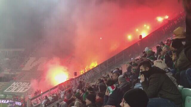 Kibice Legii odpalili race na meczu ze Śląskiem we Wrocławiu