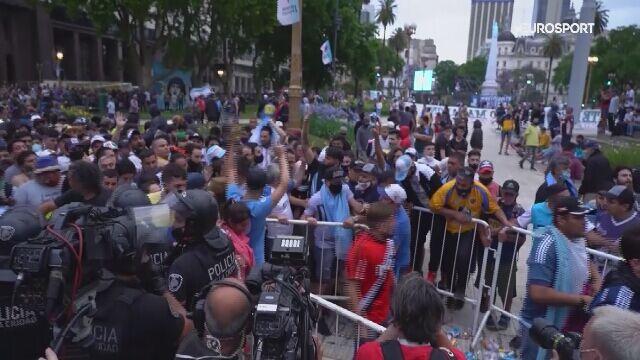 Starcie kibiców z policją na pożegnaniu Diego Maradony