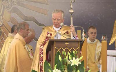 Abp Jędraszewski podczas procesji Bożego Ciała w Krakowie