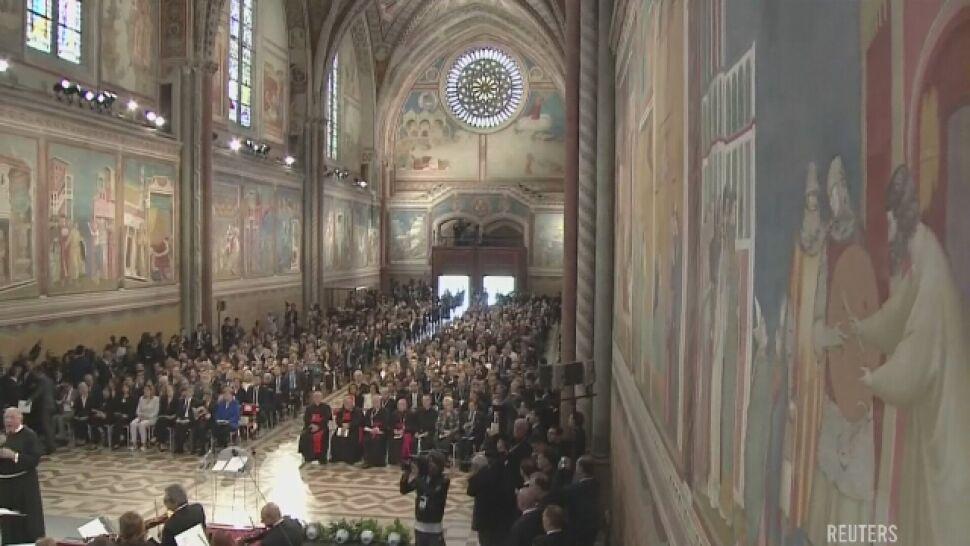 Merkel z Lampą Pokoju Świętego Franciszka. Wspomniała Solidarność, Jana Pawła II i Wałęsę