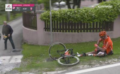 Upadek kolarza CCC Team na 18. etapie Giro d'Italia