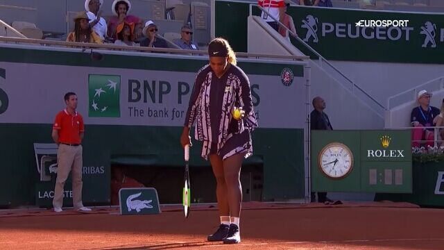 Serena walczyła nie tylko z rywalką... ale też z sukienką