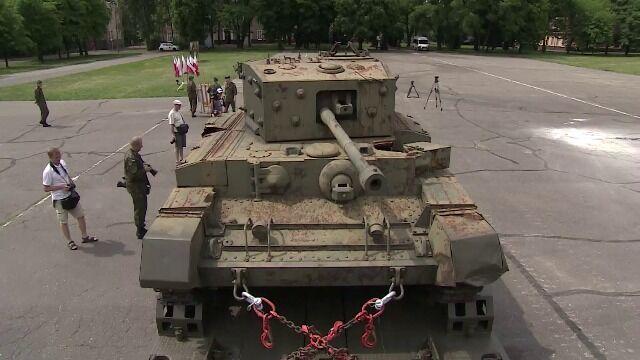 Czołg Centaur przyjechał do Poznania z Lizbony