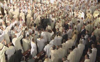 Wejście papieża do Sanktuarium św. Jana Pawła II