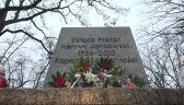"""""""Solidarność"""" złożyła kwiaty pod cokołem pomnika księdza"""