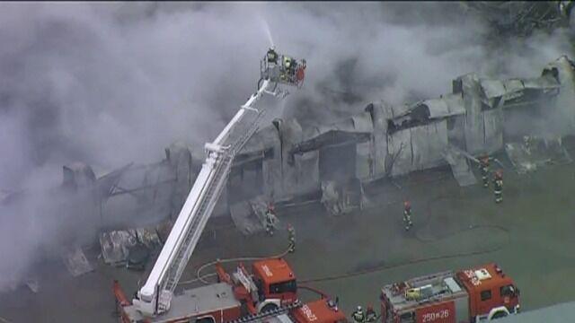 Z ogniem walczyło 30 zastępów straży pożarnej