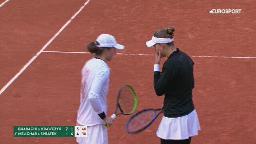 Piłka meczowa półfinału debla w Roland Garros z udziałem Igi Świątek