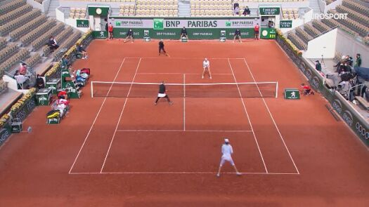 Najważniejsze momenty półfinału debla w Roland Garros z udziałem Igi Świątek