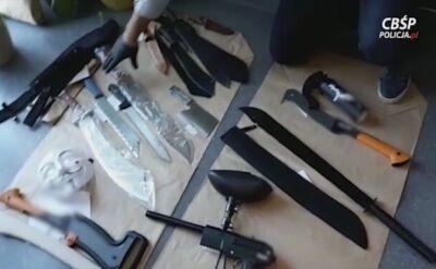 Zatrzymanym pseudokibicom zarzuca się handel narkotykami, kradzieże z włamaniami, rozboje i pobicia