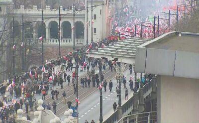Czoło marszu narodowców weszło na most Poniatowskiego