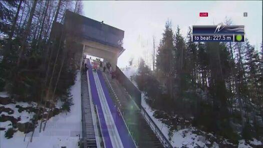 Skok Kamila Stocha z 2. serii konkursu w Tauplitz-Bad Mitterndorf
