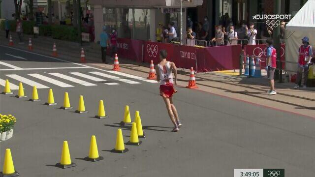 Tokio. Dawid Tomala zdobył złoty medal w chodzie sportowym na 50km