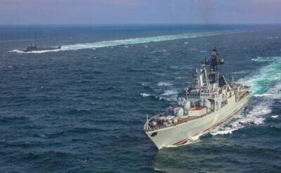 Zespół rosyjskich okrętów na Zatoce Fińskiej