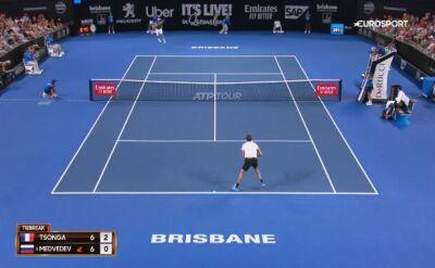 Skrót meczu Jo-Wilfried Tsonga - Daniił Miedwiediew w ATP Brisbane