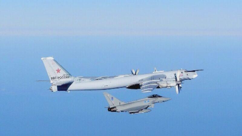 Samoloty RAF przechwytują rosyjski bombowiec nad Morzem Północnym