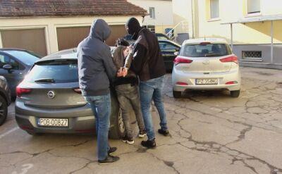 Ukradli dwa mercedesy (wideo bez dźwięku)