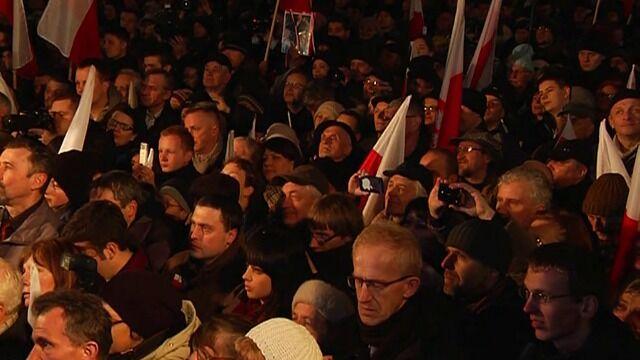 Marta Kaczyńska zwróciła się do zebranych przed Pałacem Prezydenckim