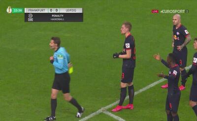 Andre Silva wykorzystał rzut karny i dał prowadzenie Eintrachtowi