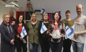 """Sari Raki i przyjaciele  śpiewają """"Cichą noc"""" po fińsku"""