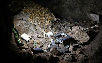 Azbest w sudeckiej jaskini. Jego posprzątanie nie będzie proste
