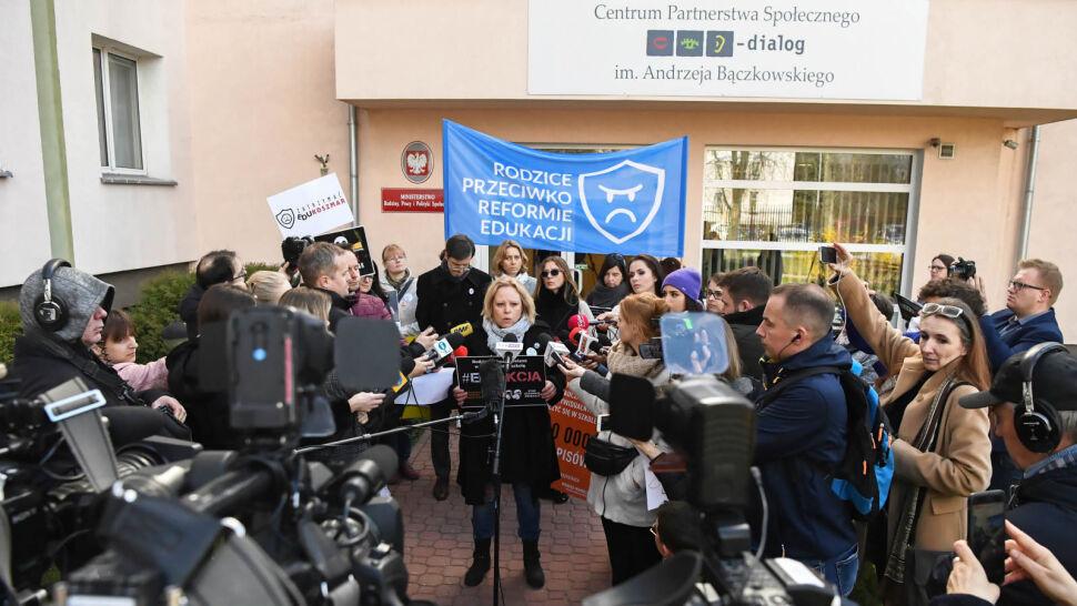 """""""Solidarność"""" chce dogadać się z rządem, ZNP zapowiada strajk"""