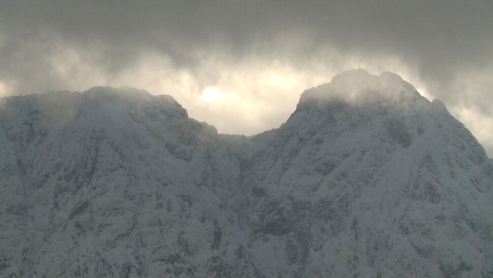 Śliskie szlaki w Tatrach. Ratownicy apelują o rozwagę