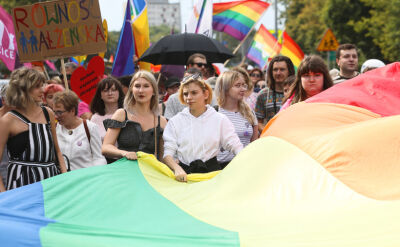 20.07.2019 | Petardy, kamienie i spalona flaga. Pierwsza parada równości w Białymstoku