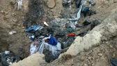 Nielegalne składowisko pod Piotrkowem. Policjanci zatrzymali pięć ciężarówek ze śmieciami