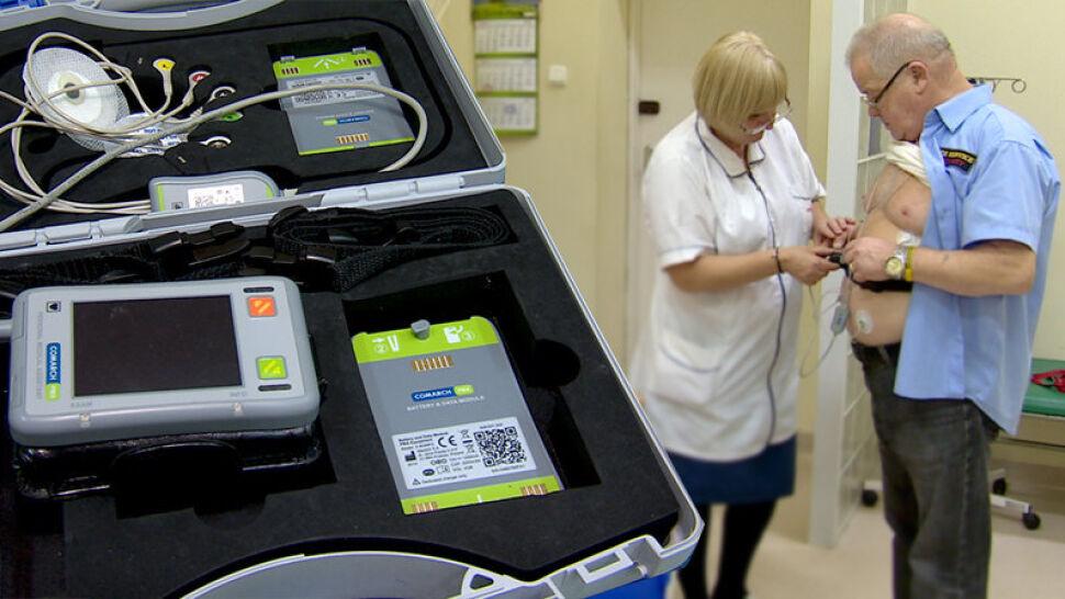 """Badania i diagnoza bez wychodzenia z domu. W Łodzi testują """"teleopiekę medyczną"""""""