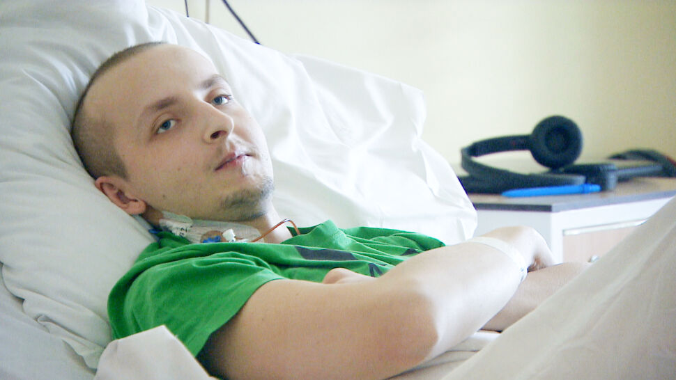 """""""Nieważne, czy jestem pierwszy"""". Za kilka tygodni lekarze ocenią, czy nowotwór zniknął"""
