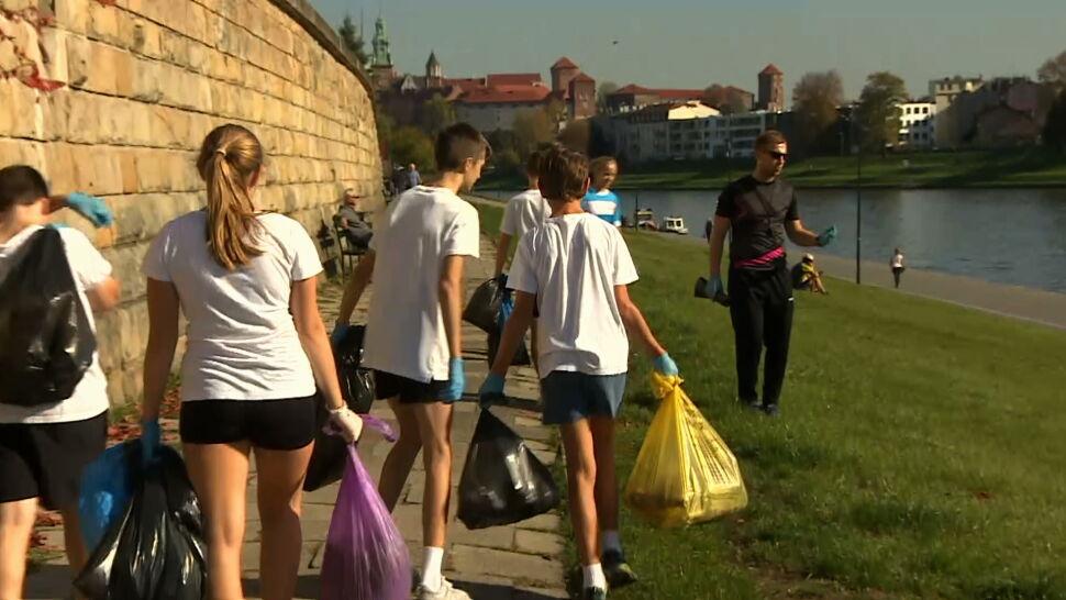 Plogging zamiast normalnej lekcji WF-u. Uczniowie z Krakowa świecą przykładem